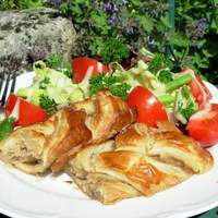 Chicken Wellington (Puff Pastry-Wrapped Chicken) Recipe