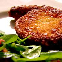 Crunchy Pork Chops with Garlicky Spinach and Tomato Salad Recipe