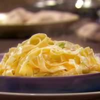 Egg Pasta with Leeks Recipe