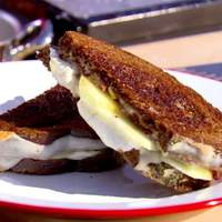 Fontina and Mozzarella Grilled Cheese with Bacon and Honey Crisp Apples Recipe