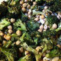 Forty-Clove Chickpeas & Broccoli Recipe