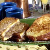 French Toast with Bananas and Walnuts Recipe