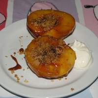 Fried Peaches With Honey, Cinnamon, Pistachio and Breadcrumbs Recipe