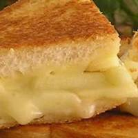 Grilled Apple and Swiss Cheese Sandwich Recipe