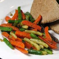 Herbed Green Beans and Carrots Recipe