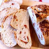 Peppercorn and Pepperoni Bread With Cheese Recipe