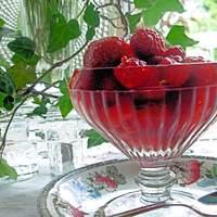 Rosy Rosé Berries: Strawberries and Raspberries in Wine Recipe