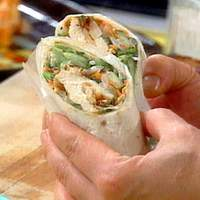 Thai Chicken Wrap with Spicy Peanut Sauce Recipe