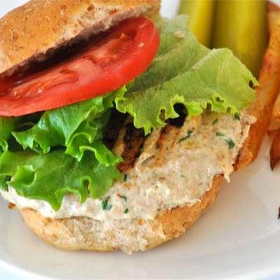 Actually Delicious Turkey Burgers - RecipeNode.com