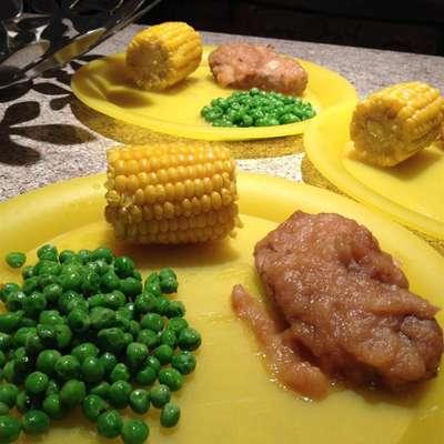 Applesauce Pork Chops - RecipeNode.com
