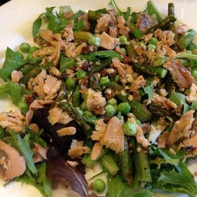 Asparagus and Smoked Salmon Salad - RecipeNode.com