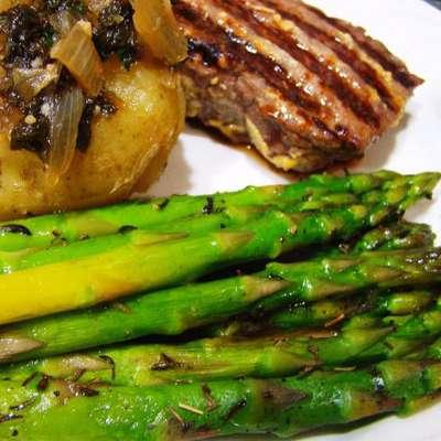 Asparagus with Thyme - RecipeNode.com