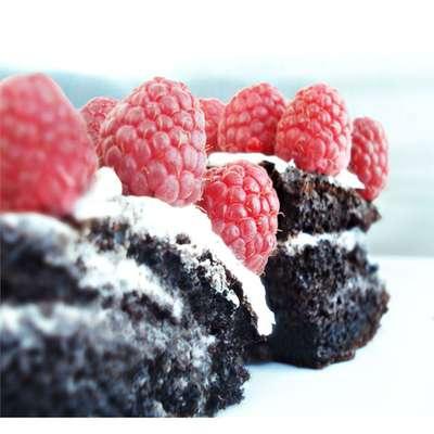 Aunt Joyce's Chocolate Cake - RecipeNode.com