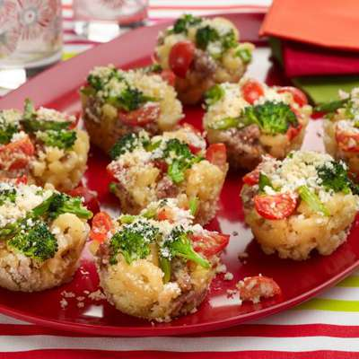 Baked Macaroni and Cheese Cupcakes - RecipeNode.com