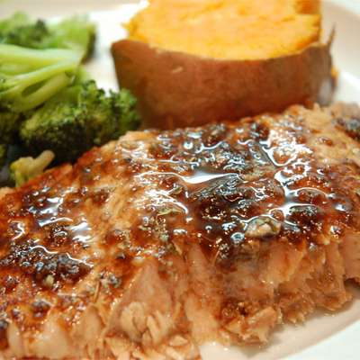 Balsamic-Glazed Salmon Fillets - RecipeNode.com
