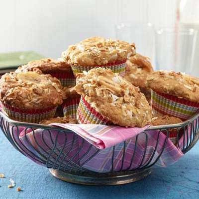 Banana Crunch Muffins - RecipeNode.com