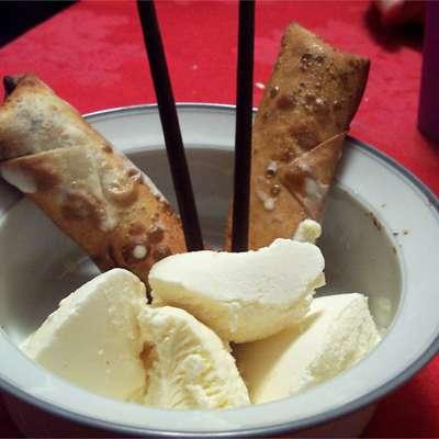 Banana Spring Rolls - RecipeNode.com