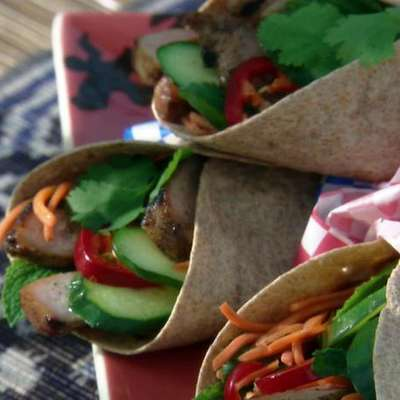 Banh-mi Wrap: Vietnamese Grilled Pork Wrap with Pickled Carrots and Mint - RecipeNode.com
