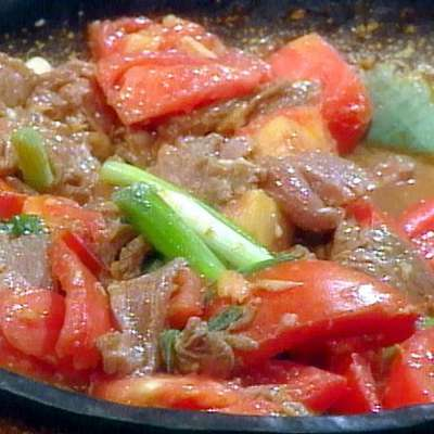 Beef with Scallions, Tomato, and Ginger - RecipeNode.com