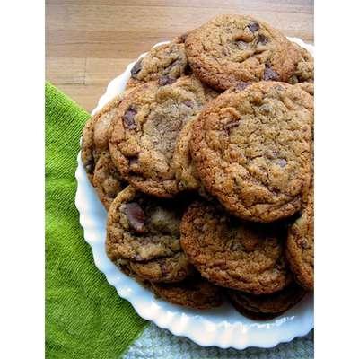 Best Chocolate Chip Cookies - RecipeNode.com