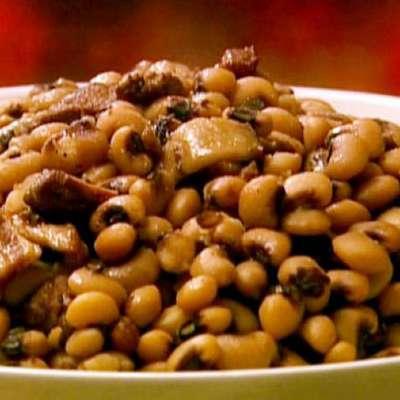 Black-Eyed Peas with Bacon and Pork - RecipeNode.com