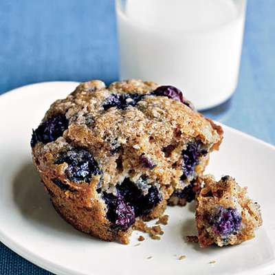 Blueberry Oatmeal Muffins - RecipeNode.com