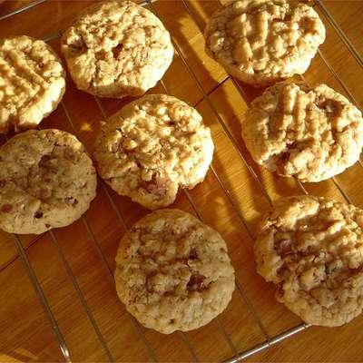 Bobbie's Oatmeal Cookies - RecipeNode.com