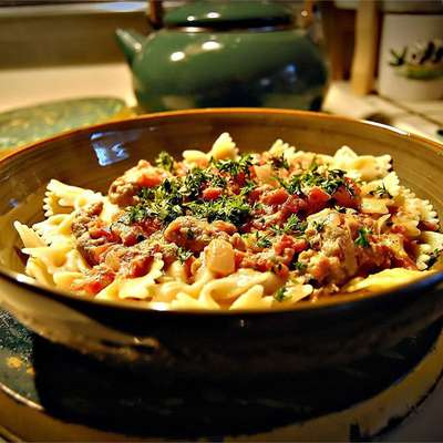 Bow Ties with Sausage, Tomatoes and Cream - RecipeNode.com