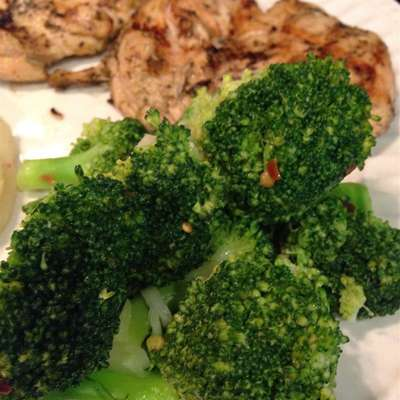 Brilliant Sauteed Broccoli - RecipeNode.com