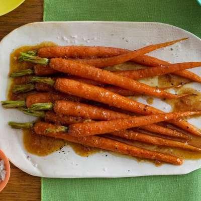 Candied Carrots - RecipeNode.com