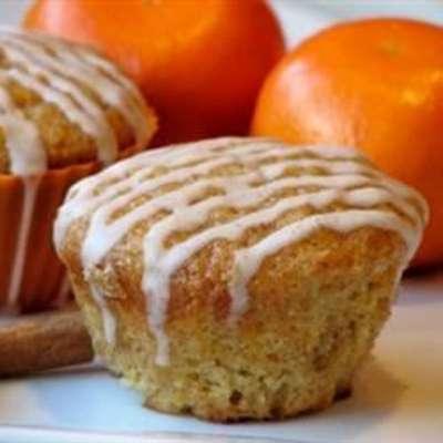 Carrot Cake Muffins with Cinnamon Glaze - RecipeNode.com