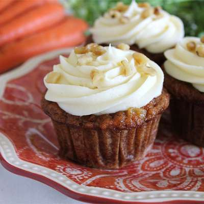 Carrot Cupcakes with White Chocolate Cream Cheese Icing - RecipeNode.com