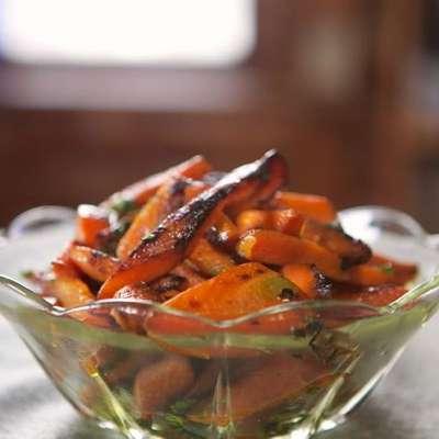 Cast-Iron Carrots with Curry - RecipeNode.com