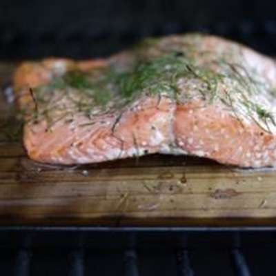 Cedar Plank-Grilled Salmon with Garlic, Lemon and Dill - RecipeNode.com