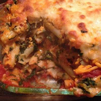 Cheryl's Spinach Cheesy Pasta Casserole - RecipeNode.com
