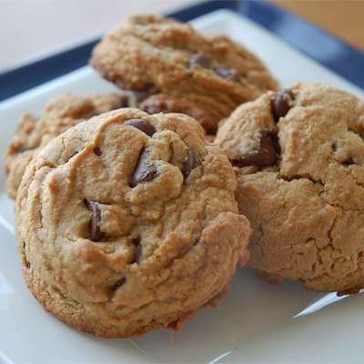 Chewy Peanut Butter Chocolate Chip Cookies - RecipeNode.com