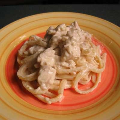 Chicken With Fettuccine Alfredo - RecipeNode.com