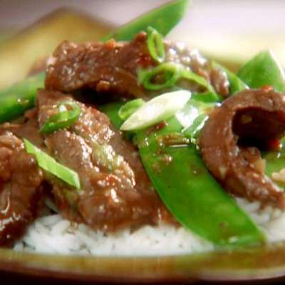 Chili Beef Stir-Fry with Scallions and Snow Peas - RecipeNode.com