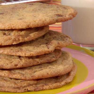 Chocolate Chip Cookies - RecipeNode.com