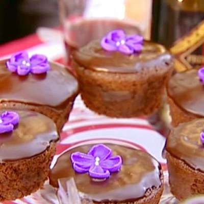 Chocolate Ganache Cupcakes - RecipeNode.com