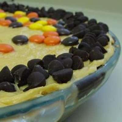 Chocolate Kiss Peanut Butter Pie - RecipeNode.com