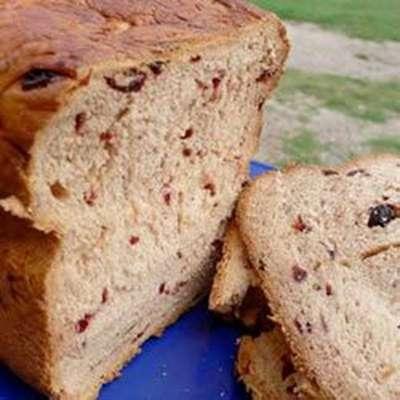 Cinnamon Cranraisin Bread - RecipeNode.com