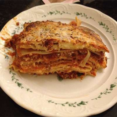 Classic Lasagna - RecipeNode.com