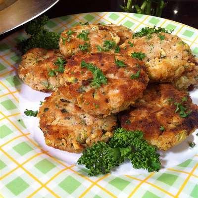 """Connie's Zucchini """"Crab"""" Cakes - RecipeNode.com"""