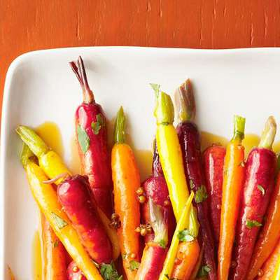 Coriander-Glazed Carrots - RecipeNode.com