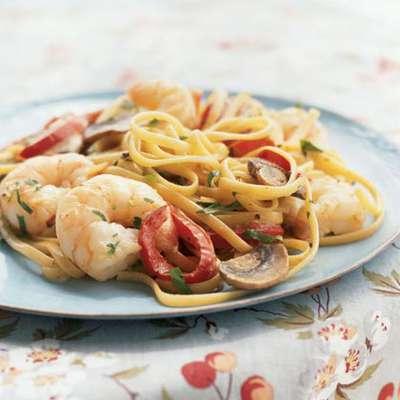 Creamy Cajun Shrimp Linguine - RecipeNode.com