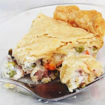 Dad's Leftover Turkey Pot Pie - RecipeNode.com