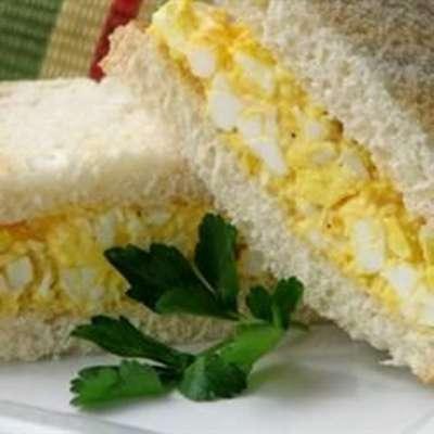 Delicious Egg Salad for Sandwiches - RecipeNode.com