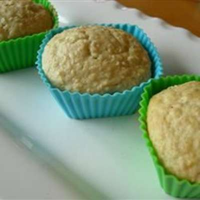 Easy Oatmeal Muffins - RecipeNode.com