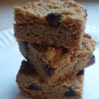 Easy Peanut Butter Bars - RecipeNode.com